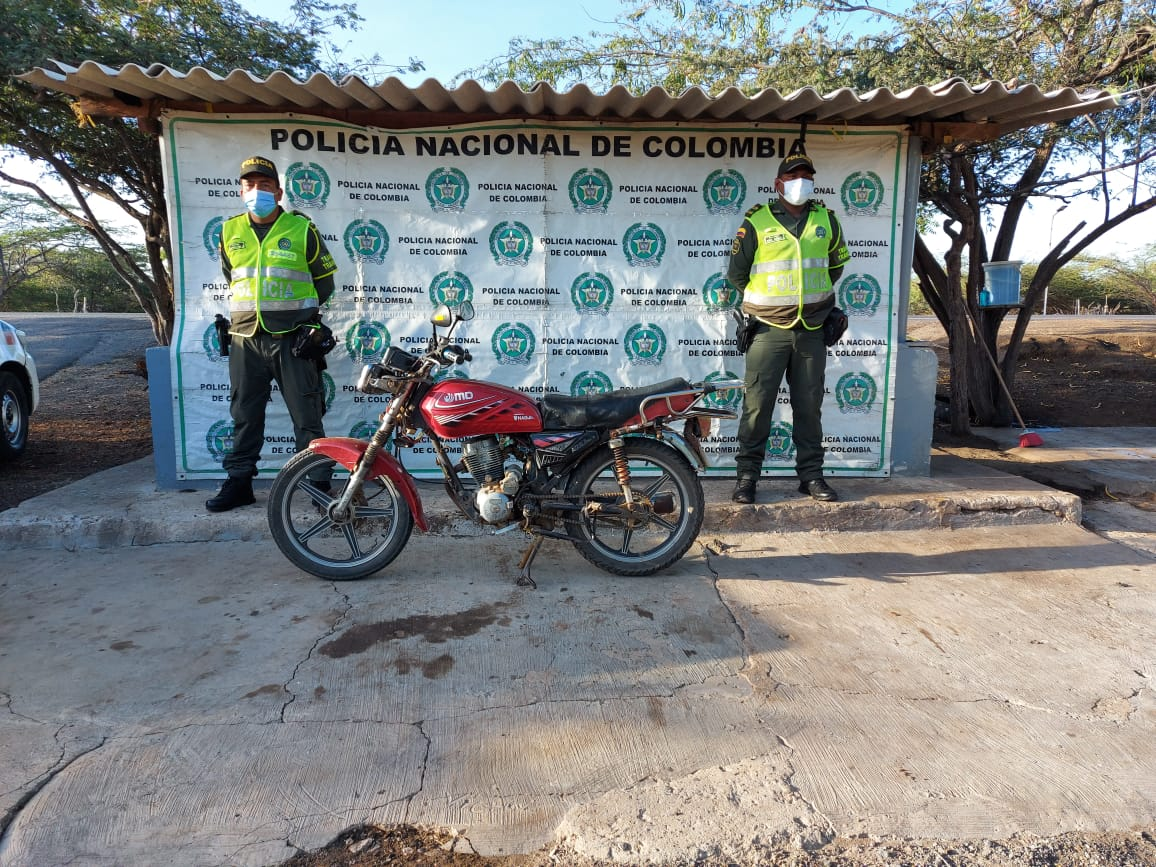 https://www.notasrosas.com/Seccional de Tránsito y Transporte (Setra) realiza operativos en carreteras guajiras