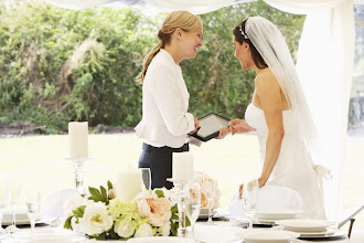 What are the advantages of hiring a Wedding Planner?