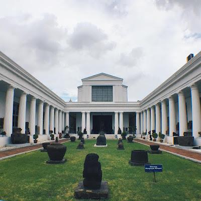 foto arca di museum nasional jakarta