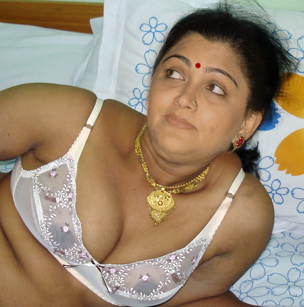 Message, tamil mami broest