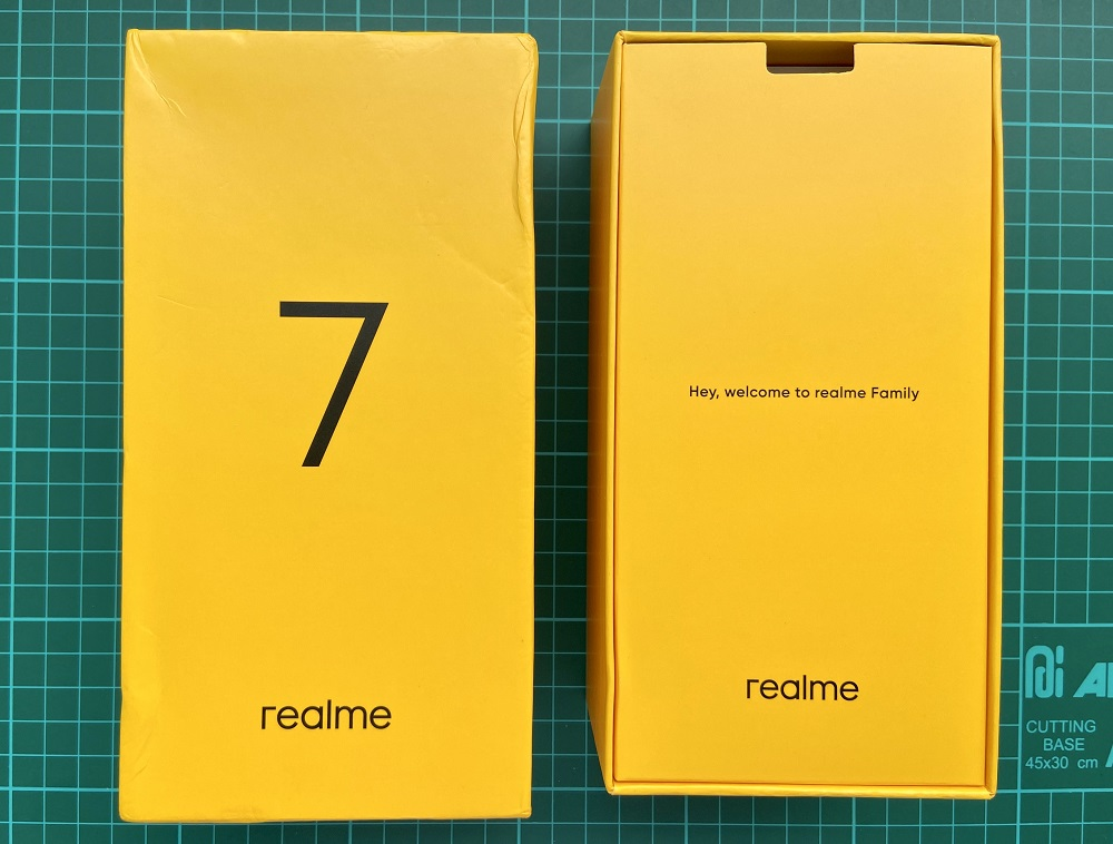realme 7 inside the box