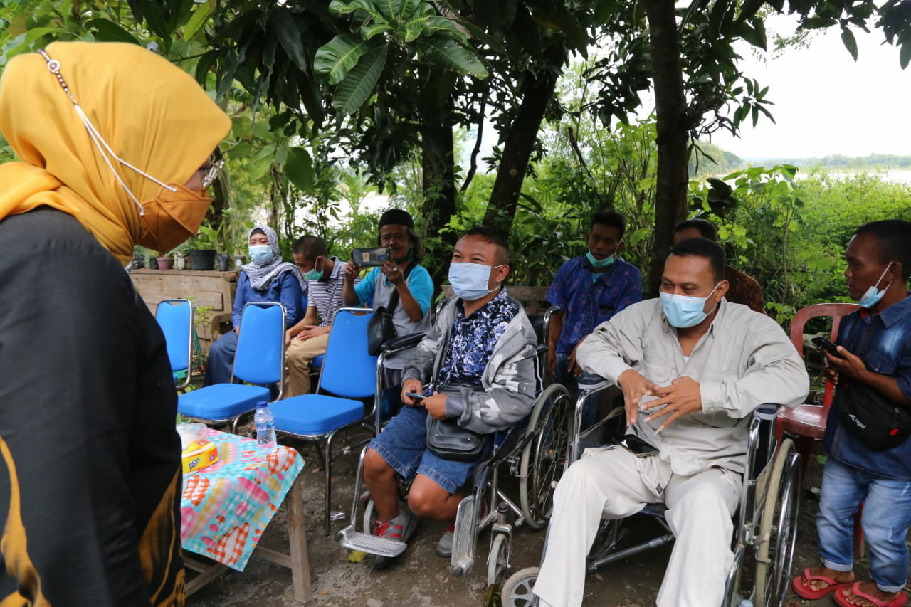 Menaker Tinjau Kelompok Difabel Penerima Bantuan JPS TKM di Boyolali