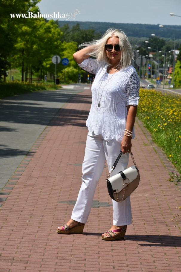 #Bonprix, #kodmody-stylistka.com.pl, #babooshkastyle.eu, polecam, biel latem, ażurowa bluzka, River Island, Geox, over50fashion, over50blogger, mature model