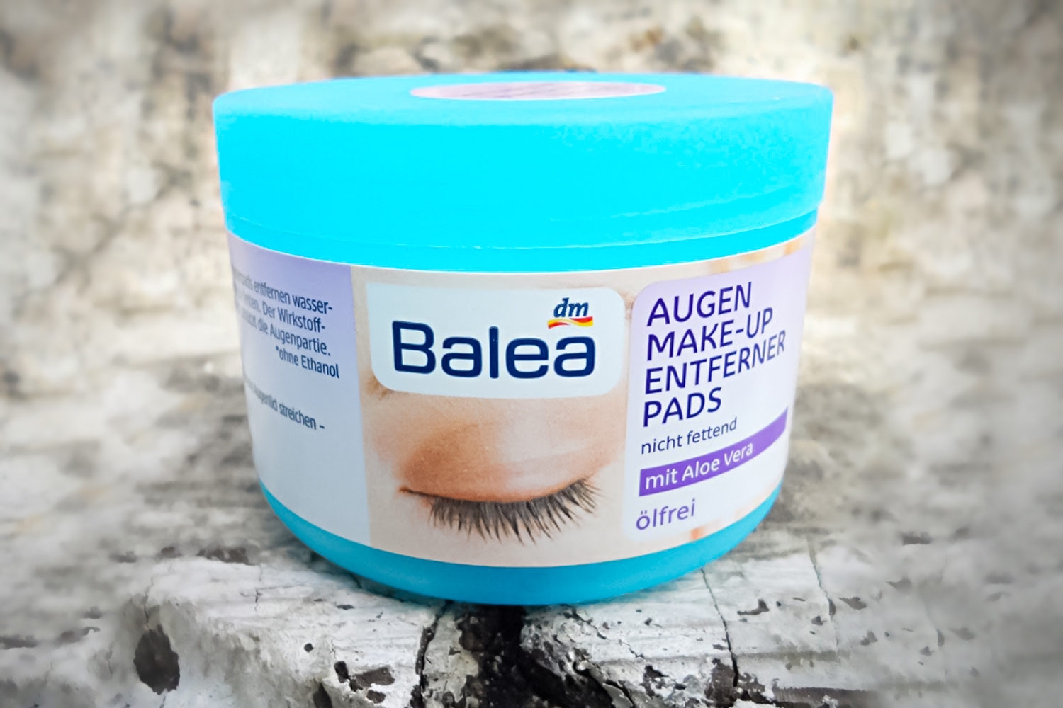 a close-up picture of the Balea Eye Makeup Remover