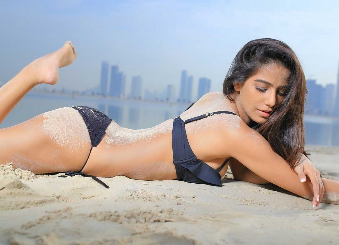 Poonam Pandey in sexy Black Bikini