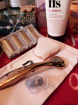 Friction Free Shaving Small Rose Set
