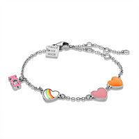 https://www.twiceasnice.be/nl/product/detail/k3-collectie-armband-met-3-hartjes-en-k3/2356369?colour=63940