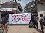 Tolak Raperda RTRW, Aliansi Mahasiswa Segel Gedung DPRD Lamongan