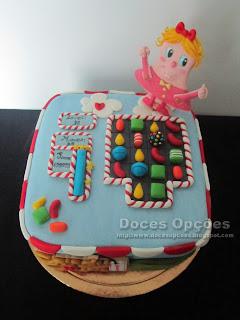 Bolo de aniversário decorado Candy Crush pasta açucar