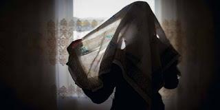 Budaya Wanita Arab Terdahulu Adalah Ketelanjangan, Buka-bukaan Aurat, Dan Bersolek