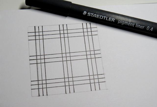 Líneas horizontales y verticales repasadas con rotulador calibrado del 0,4 en negro