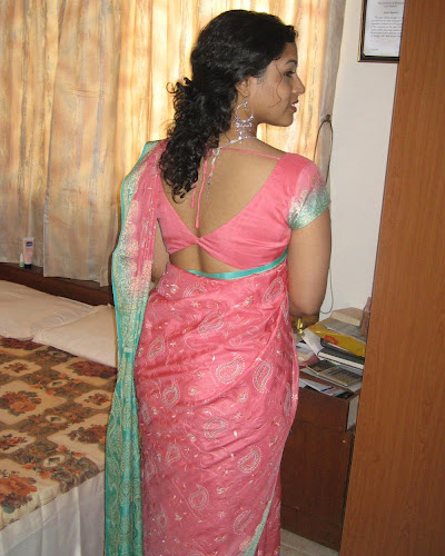 Mallu aunty with young masseur josegeorge9995 at gmail - 4 4