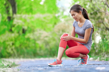 In fact, between 15 and 20 per cent of women who play sports at least once a week have some form of knee ailment.