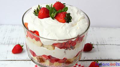 Resep dan Cara Membuat Cheese Cream Strawberry Trifle [Sajian Berkelas]