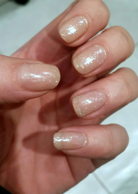 How to use gel polish and nail polish together – gelly sandwich!