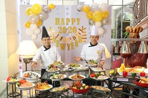 Hidangan Hi- Tea meriah pada tahun baru di Hotel Blue Wave, confirm sedap dan menyelerakan!