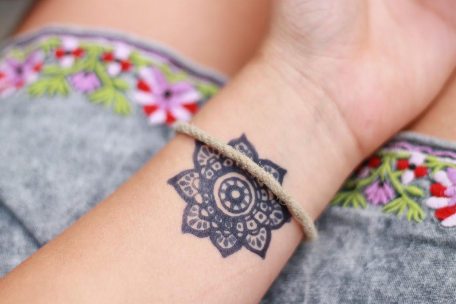 Henna Tattoo Muster Handgelenk
