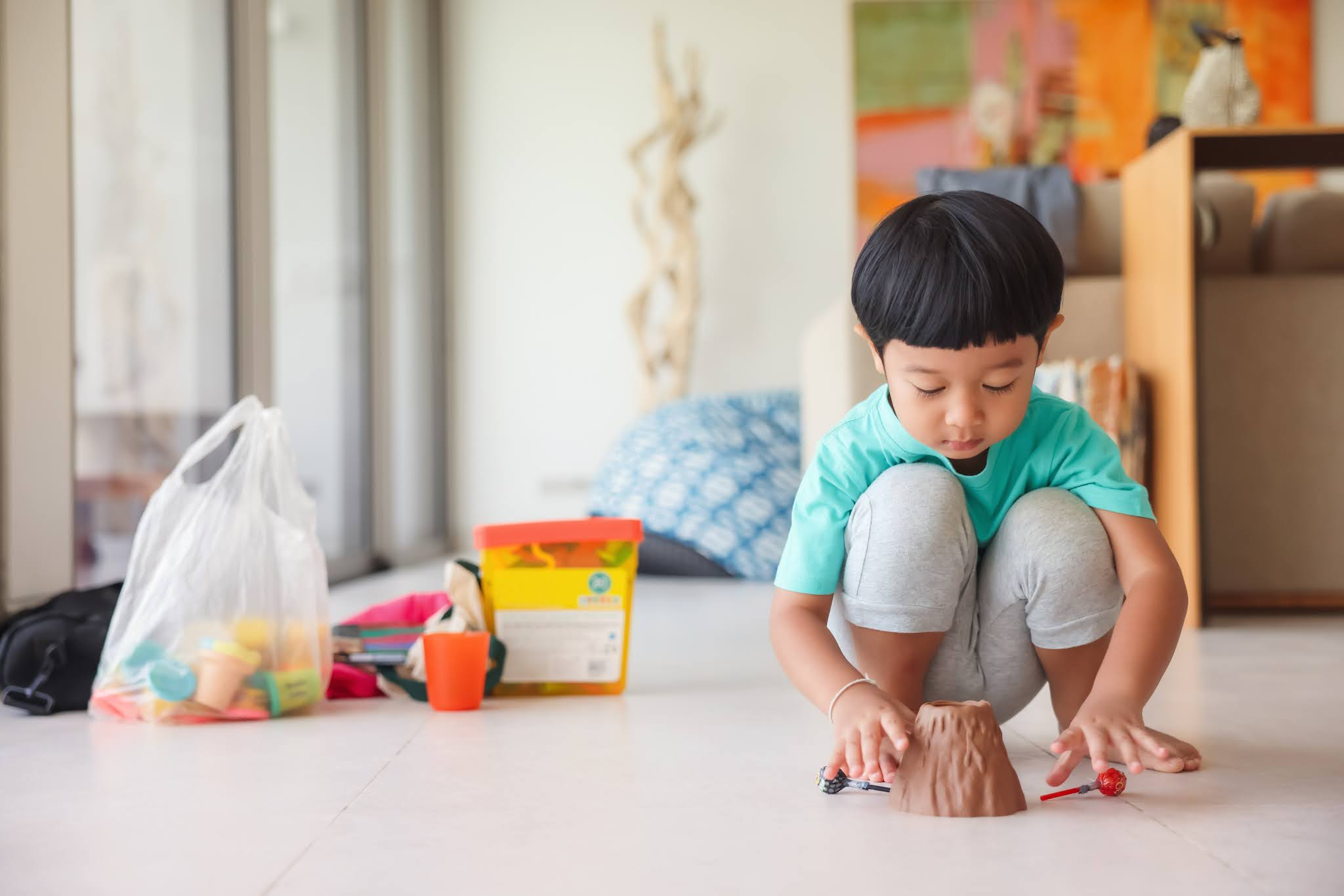 The Pros And Cons Of Sending Your Kids To Daycare