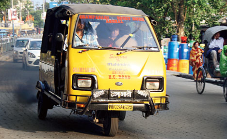 Siliguri auto smokescreen lifts