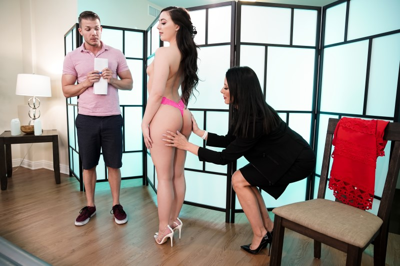 Nurumassage – TRYING OUT THE NEW MASSEUSE – Whitney Wright, Reagan Foxx