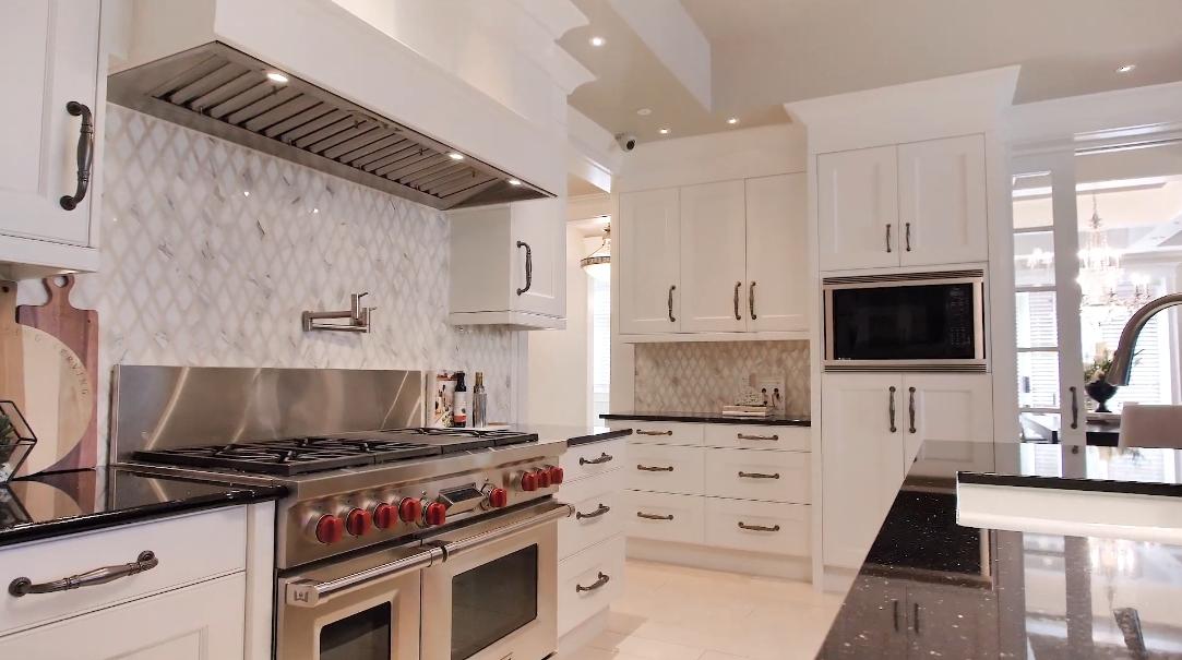 47 Interior Design Photos vs. 44 S Aspen Ridge Hts SW, Calgary Luxury Mansion Tour