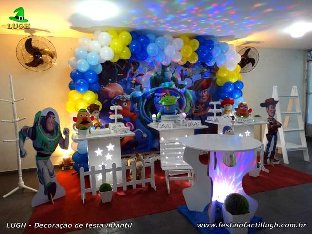 Decoração de festa infantil Toy Story - Mesa temática decorada para aniversário - Barra - RJ