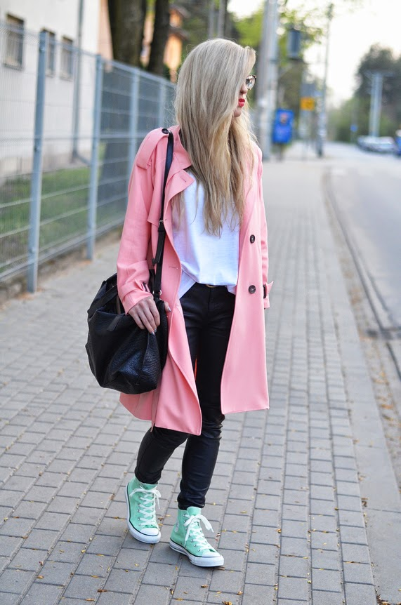 LONG PINK TRENCH COAT, LEATHER LOOK JEANS & MINT CONVERSE (& AZTEC NAILS!)