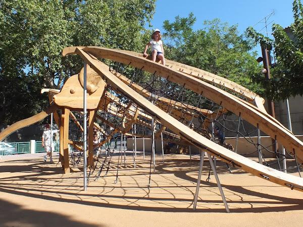 Sortie en Famille : L'aire de Jeux de Saint Rémy de Provence