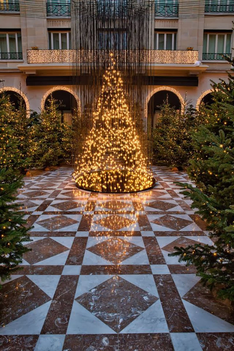 Luxury Life Design Amazing Christmas Tree At Four Seasons