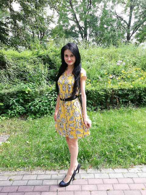 Quiosque  żółta sukienka w kwiaty