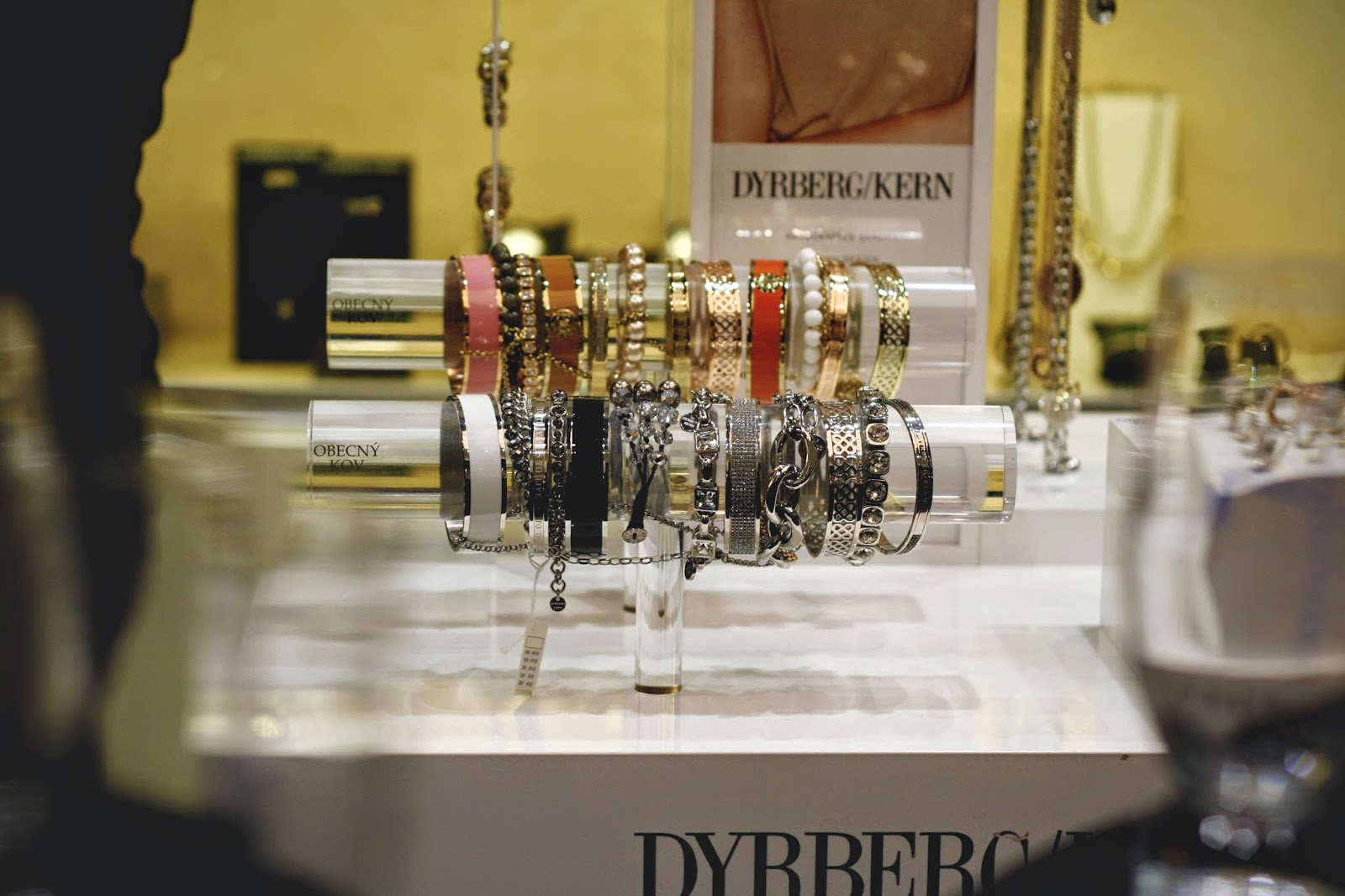 DYRBERG/KERN 12