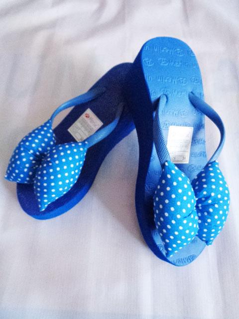 Sandal ASLI Merlin Spon TINGGI Polkadot Pita biru