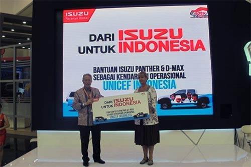UNICEF Dapat Sumbangan Kendaraan Dari Isuzu Indonesia