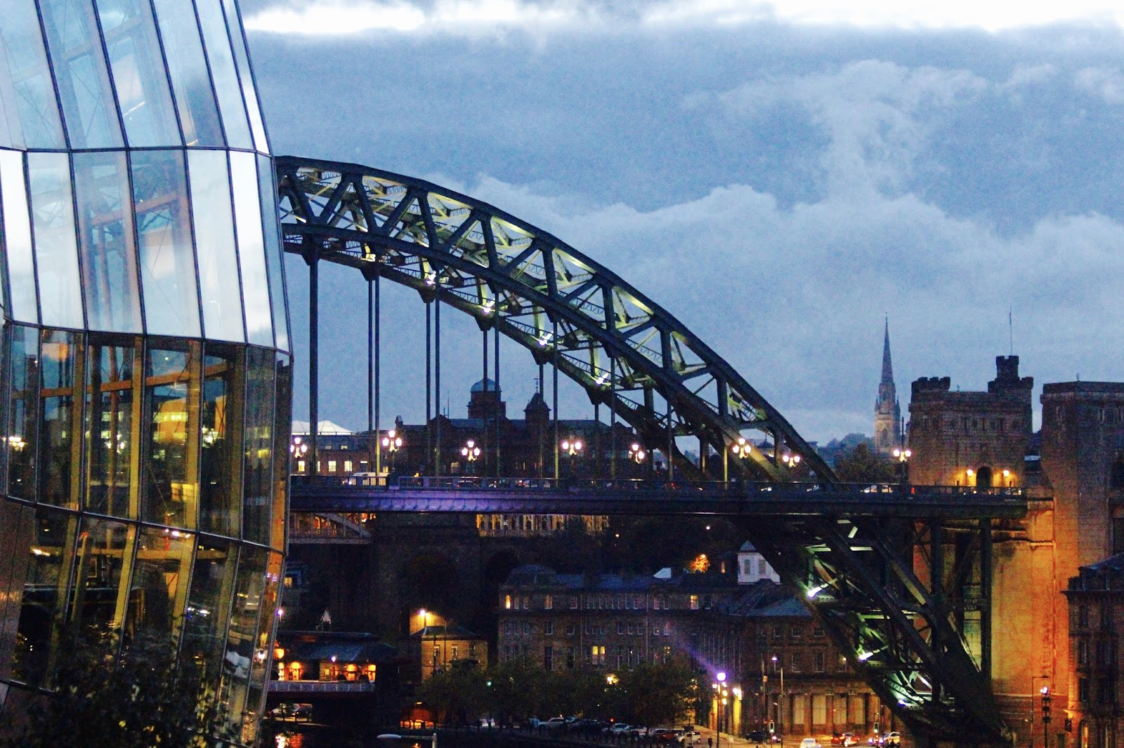 the sage gateshead tyne bridge