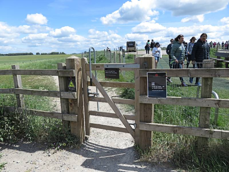 free path to Stonehenge
