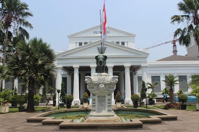 Museum nasional indonesia wedding cakes