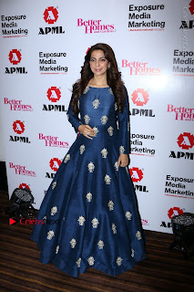Bollywood Actress Juhi Chawla Launchs Better Homes 10th Anniversary Celetion Cover  0020.JPG