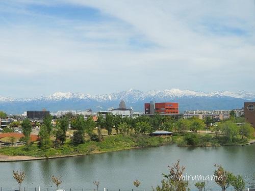 窓から見える立山