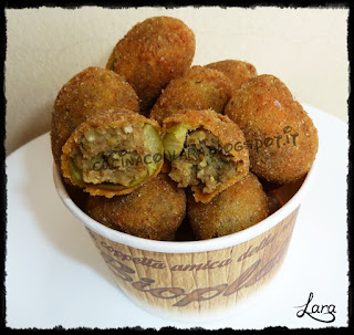 http://cucinaconlara.blogspot.it/2017/08/olive-allascolana-vegetariane-con.html