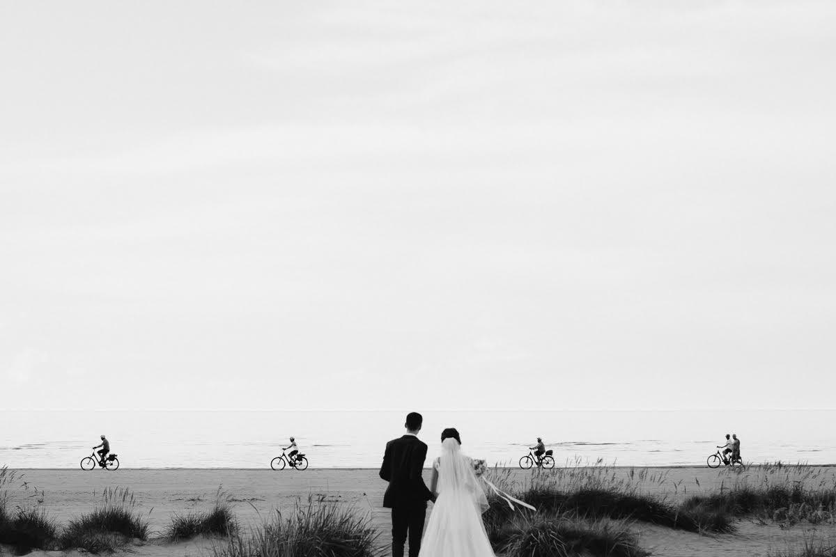 kāzu fotosesija jūrmalā