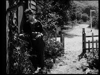 """Кадр из к/ф Чарли Чаплина """"Солнечная сторона"""" / Sunnyside (1919) - 25"""