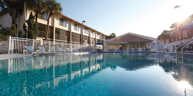 You'll appreciate the convenience and extra-personal service at Orlando International Resort Club, located just off International Drive in the heart of Orlando.
