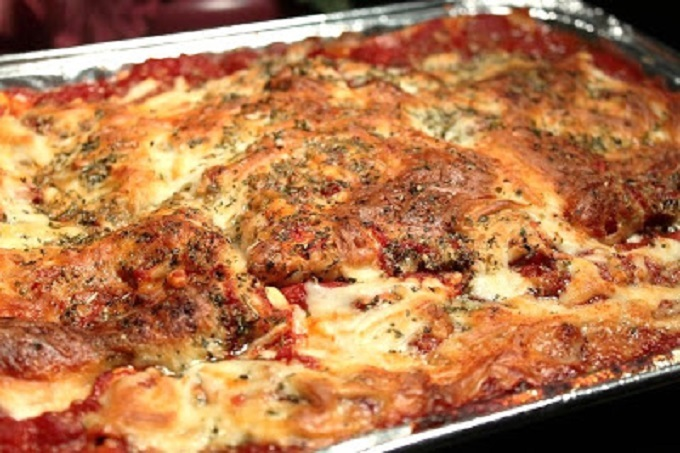 this is a pan of baked lasagna