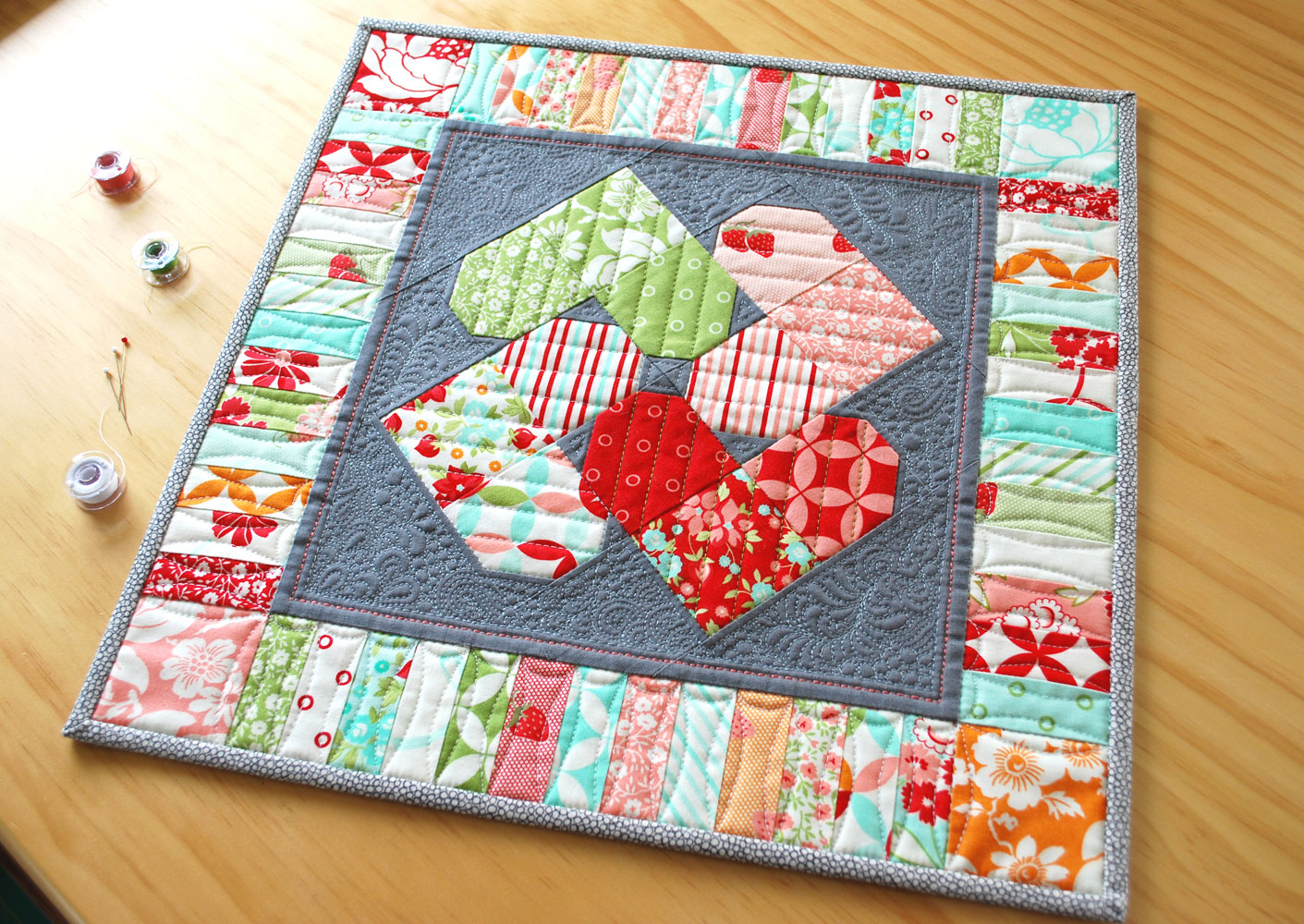 Mini Quilt Block Template Set : Hope s Quilt Designs: Heart Spin Mini Quilt - A New Pattern