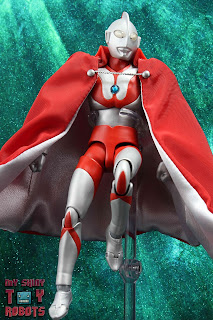 S.H. Figuarts Brothers' Mantle 02