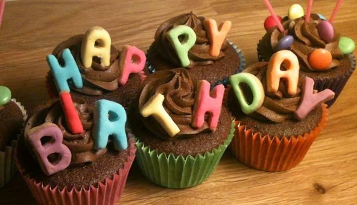 muffini za rođendan Čestitke za rođendan: Rođendanski muffini muffini za rođendan