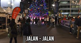 Jalan - Jalan merupakan salah satu kegiatan saat malam Natal