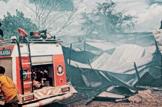 Api lalap 38 lapak di Pasar Terminal Ginte Dompu