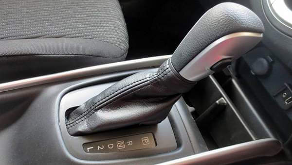 Seperti Inilah Cara Mengemudi Mobil Matic dengan Benar
