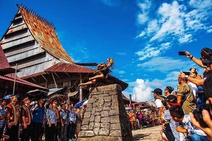 Sejarah dan Tradisi Lompat Batu Pulau Nias